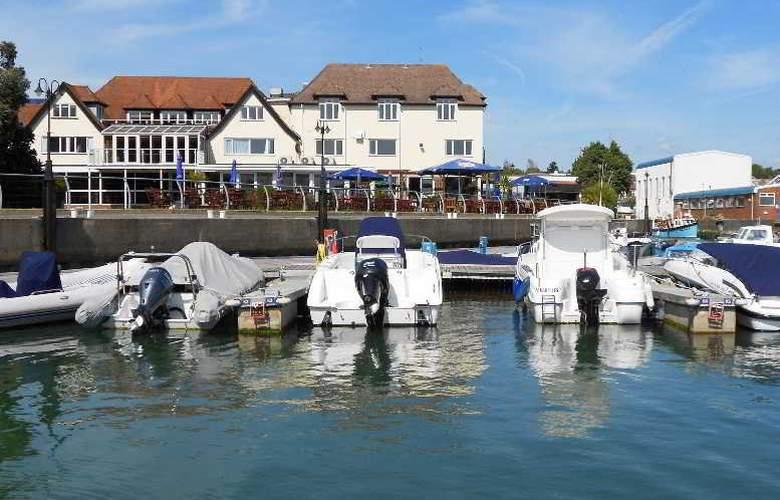 Salterns Harbourside Hotel - Hotel - 0