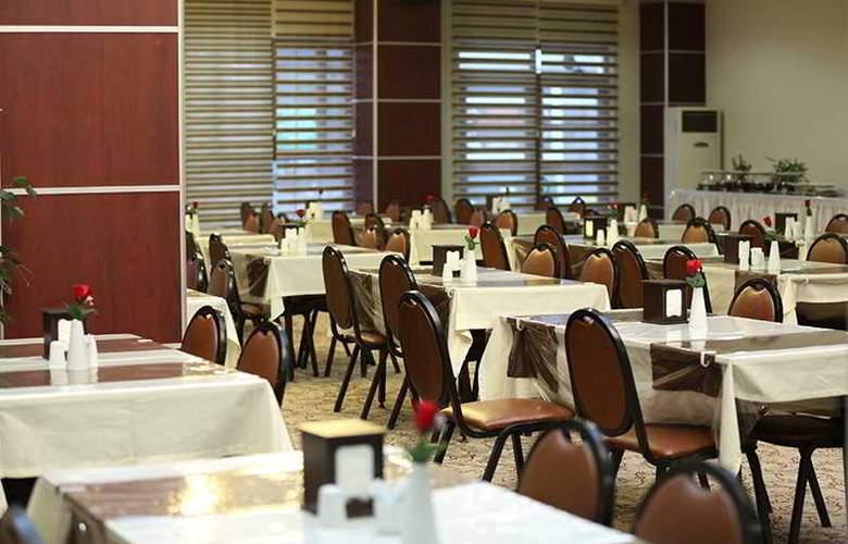 Bursa Palas Hotel - Restaurant - 3