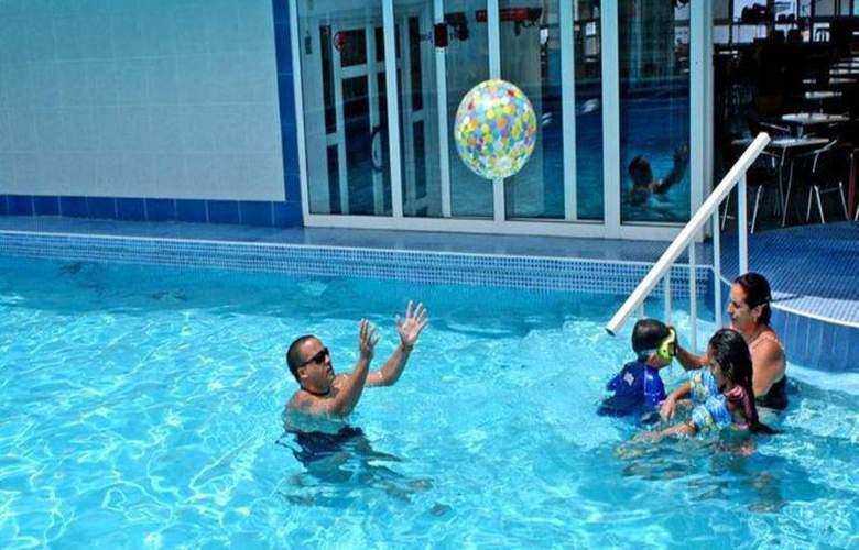 Saint John's - Pool - 3