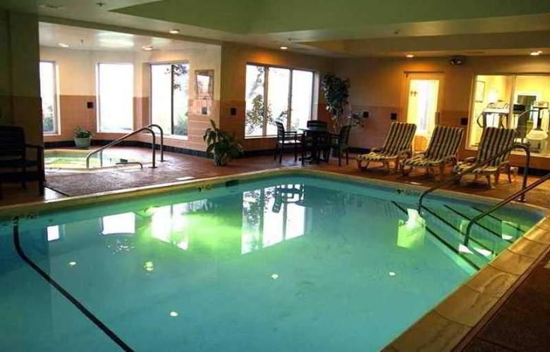 Hampton Inn & Suites Scottsburg - Hotel - 4
