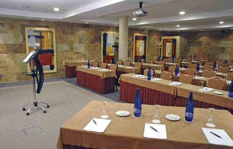 Villamadrid - Conference - 10