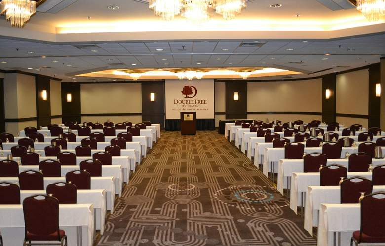 DoubleTree by Hilton Houston Hobby Airport - Conference - 4