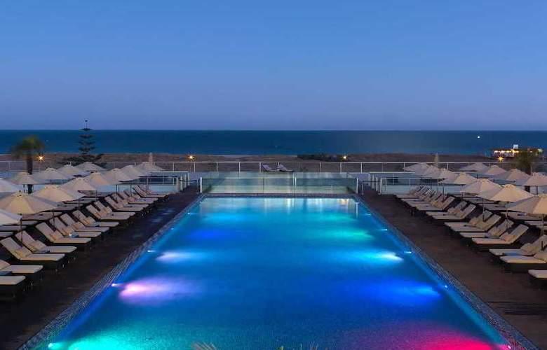 Yellow Lagos Meia Praia - Hotel - 3