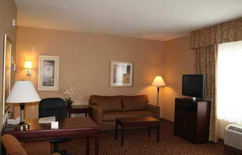 Hampton Inn & Suites by Hilton Edmonton - Hotel - 2