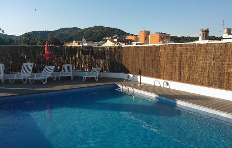 Checkin Montpalau - Pool - 4