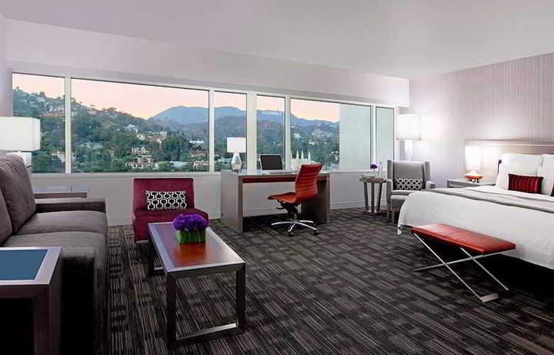 Loews Hollywood - Room - 0