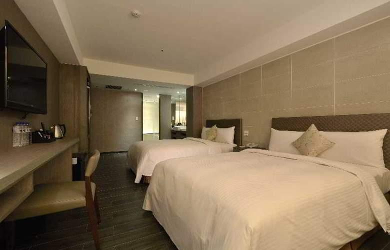 Regal Executive Suites - Room - 15