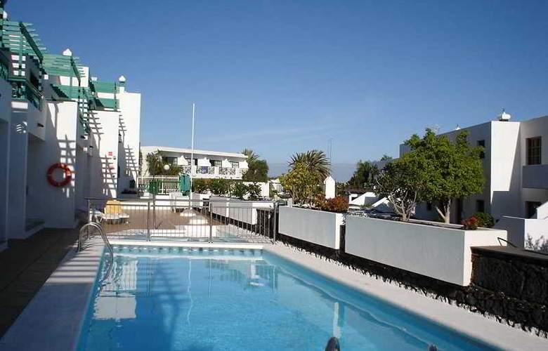 Apartamentos Europa - Pool - 2