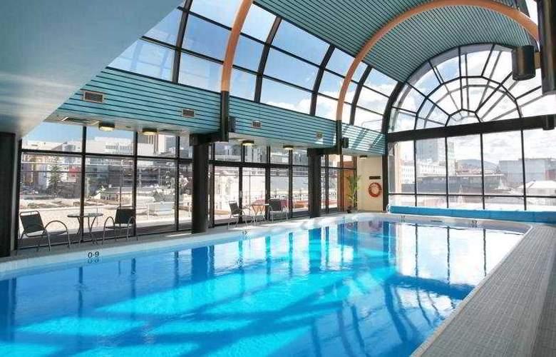 Grand Chancellor Hobart - Pool - 5