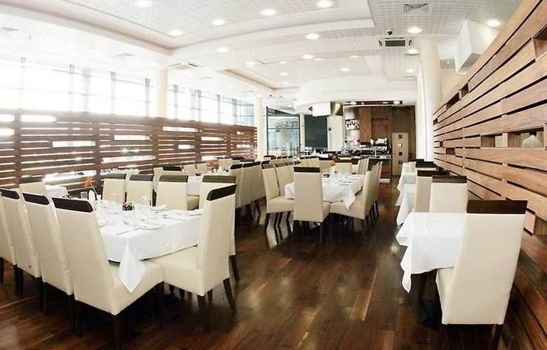 Travelodge Dublin Airport South - Restaurant - 10