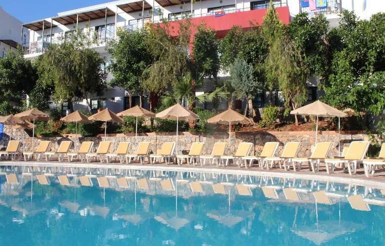 Arminda - Hotel - 0