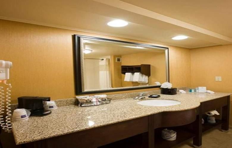 Hampton Inn Waldorf - Room - 9