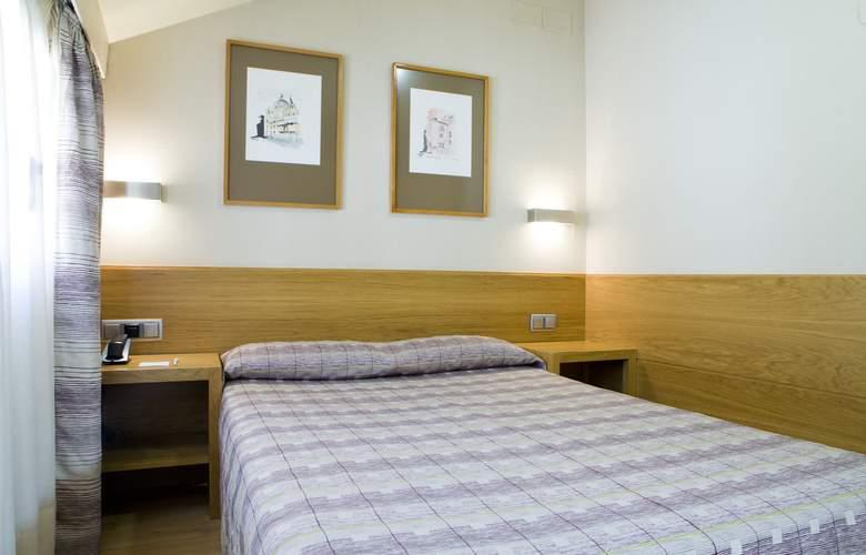 Hostal El Pasaje - Room - 10
