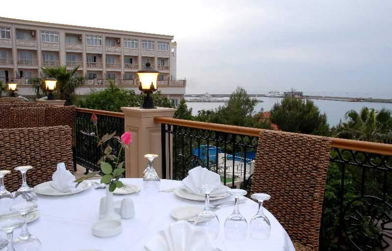 Oscar Resort - Terrace - 52
