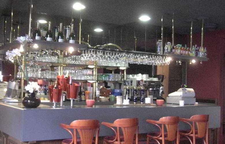 Interhotel Le Bretagne - Bar - 15