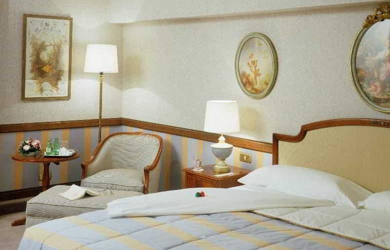 Izan Avenue Louise - Room - 10