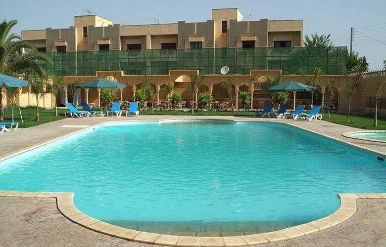 Fes Inn - Pool - 9