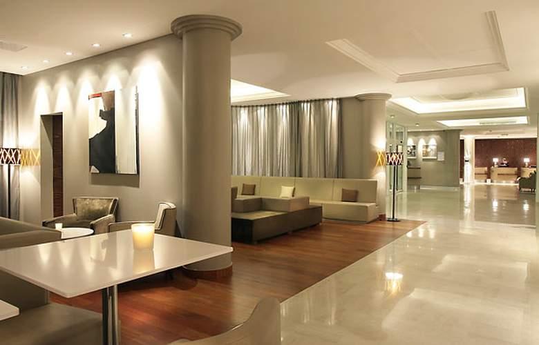 AC Hotel Ambassadeur Antibes - Juan les Pins - General - 9