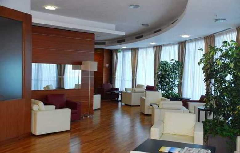 Hilton Garden Inn Milan Malpensa - Hotel - 2