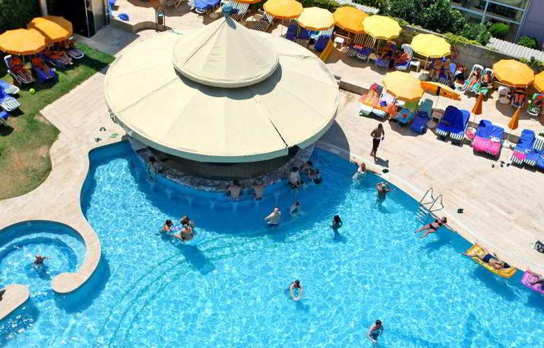 Grand Kaptan - Pool - 5