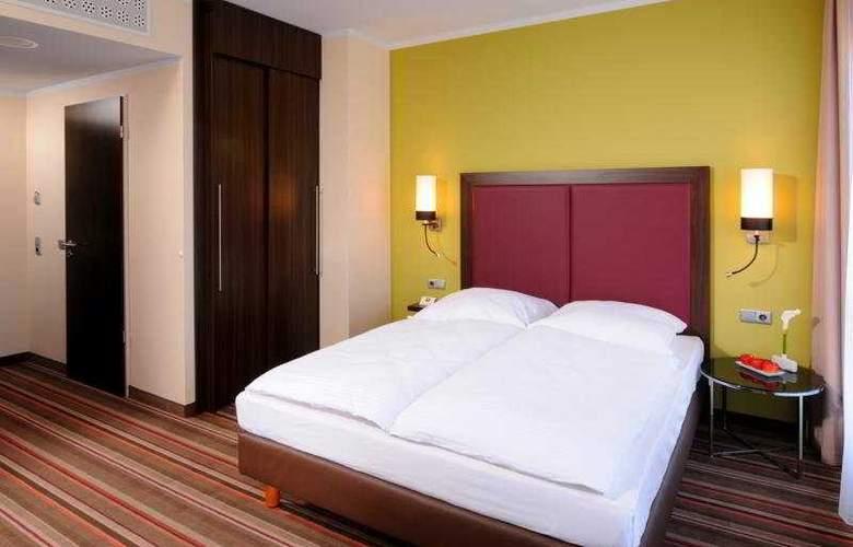 Leonardo Berlin - Room - 10