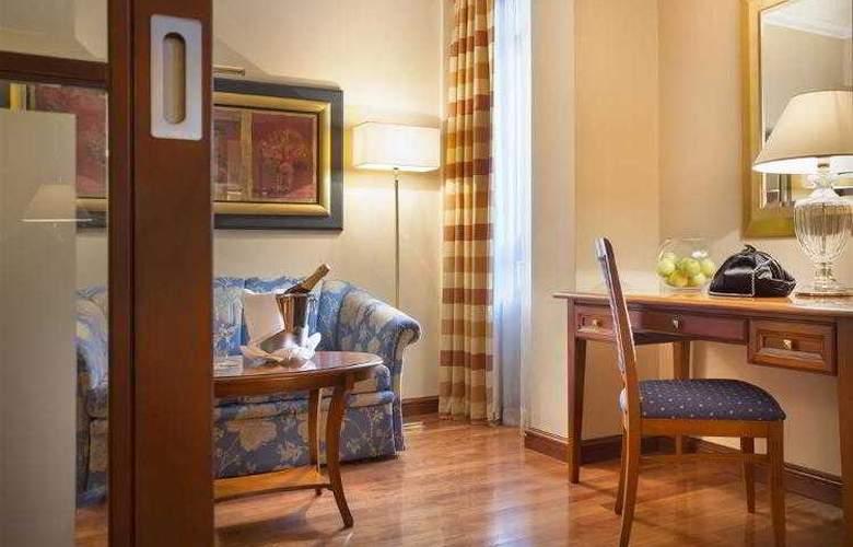 Best Western Premier Astoria - Hotel - 90