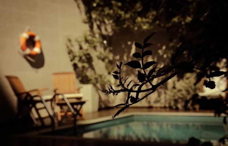 Duque Hotel Boutique & Spa - Pool - 10