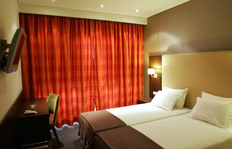 Lisboa Central Park - Room - 2