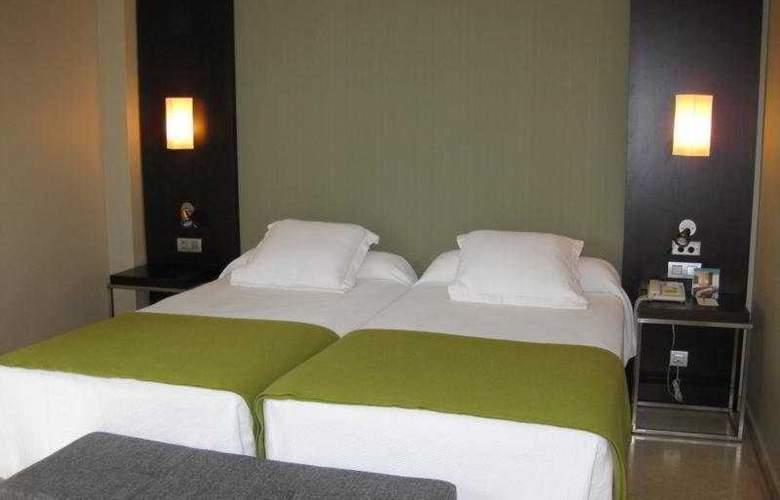 NH Ciudad de Zaragoza - Room - 2