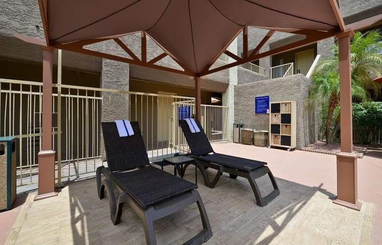 Best Western Plus Inn Suites Yuma Mall - Room - 76