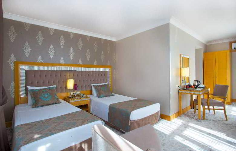 Villa Zurich - Room - 9