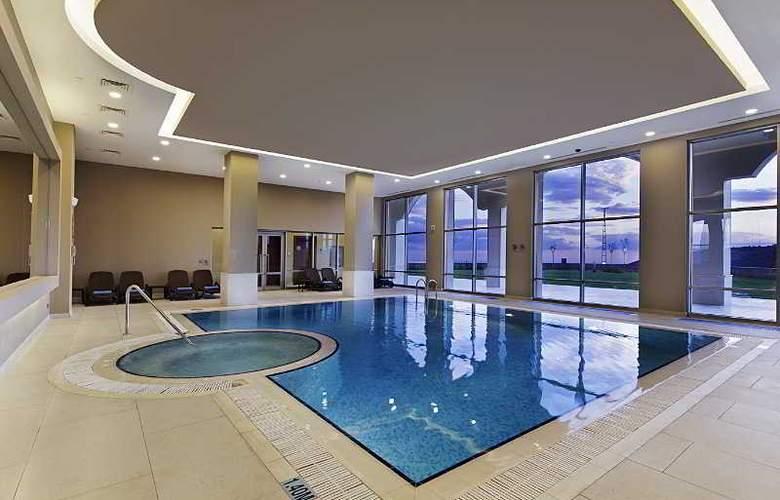 Hilton Garden Inn Mardin - Pool - 9