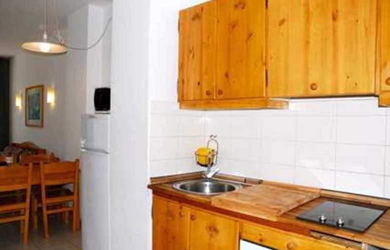 Del Sol 2D Apartamentos - Room - 9