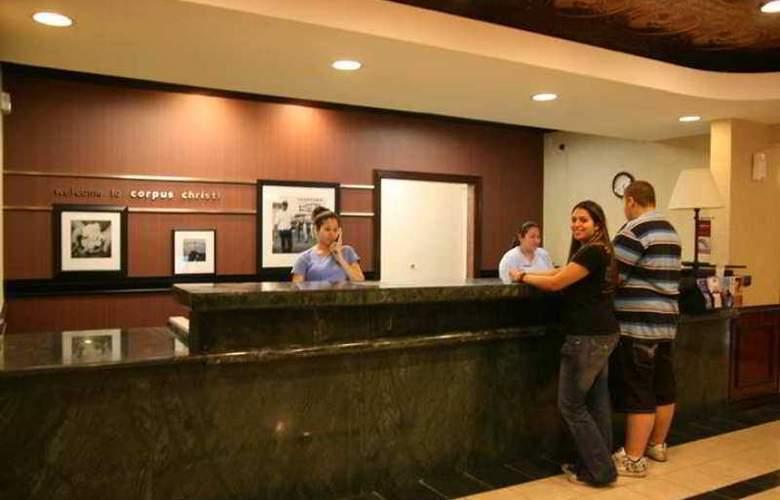 Hampton Inn Corpus Christi - Hotel - 3