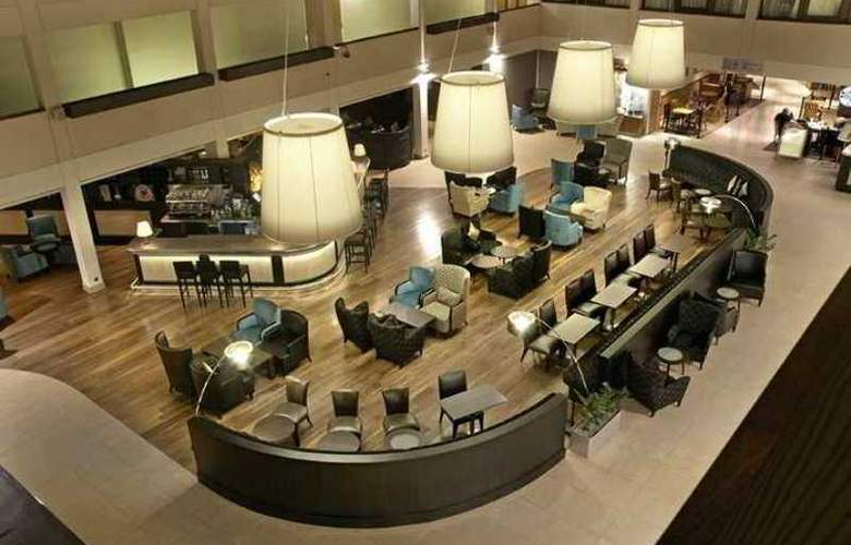 Hilton London Gatwick Airport - Hotel - 18