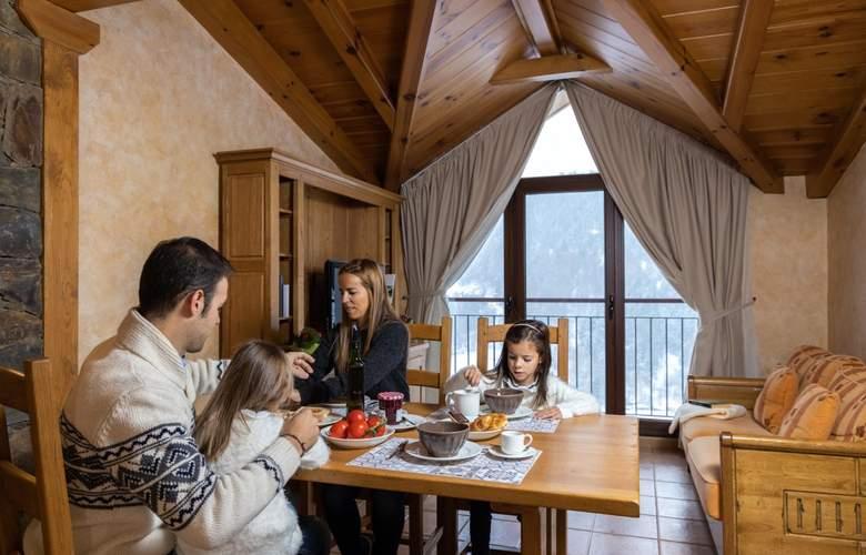 Apartaments Turistics Els Llacs - Room - 8