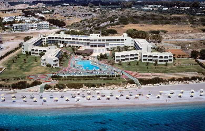 Lutania Beach - Hotel - 4