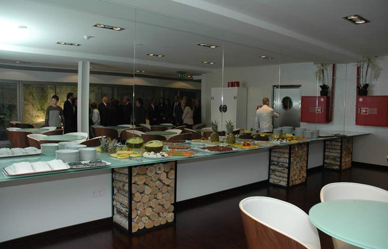 Porto Trindade Hotel - Restaurant - 4