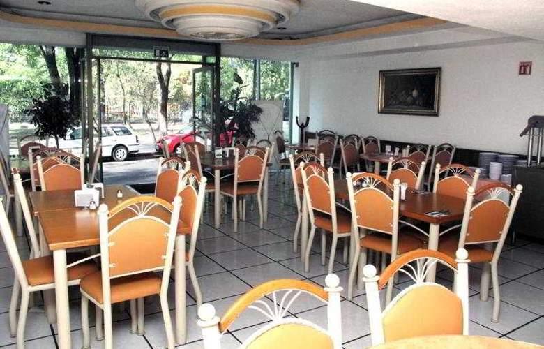 Diana del Bosque - Hotel - 0