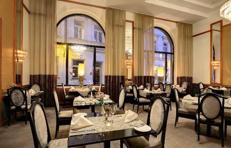 Grand Hotel Bohemia - Restaurant - 16
