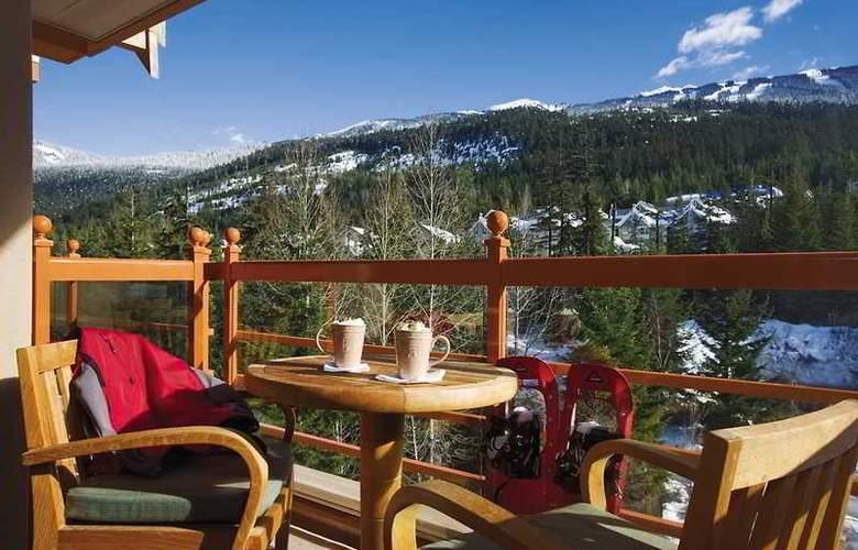 Four Seasons Resort Whistler - Terrace - 5
