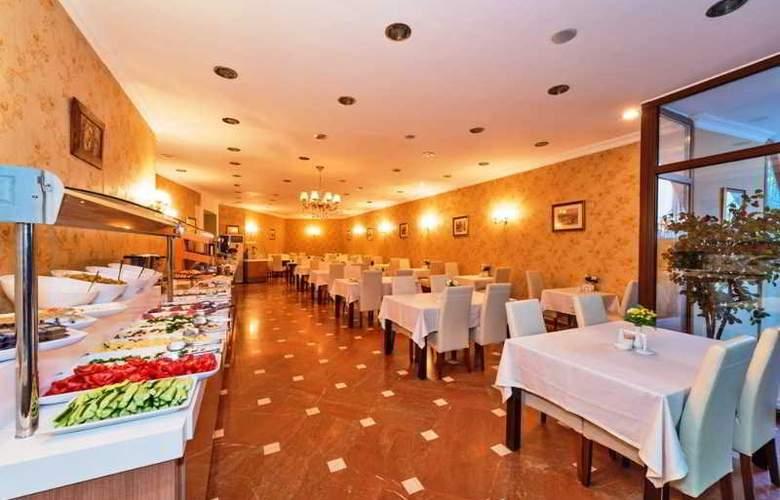 The Byzantium - Restaurant - 42