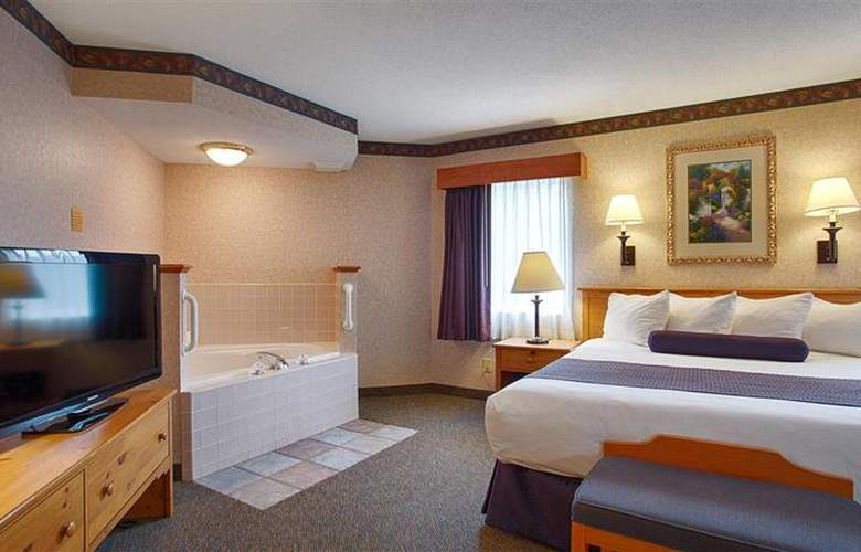 Best Western Plus Executive Court Inn - Pool - 93