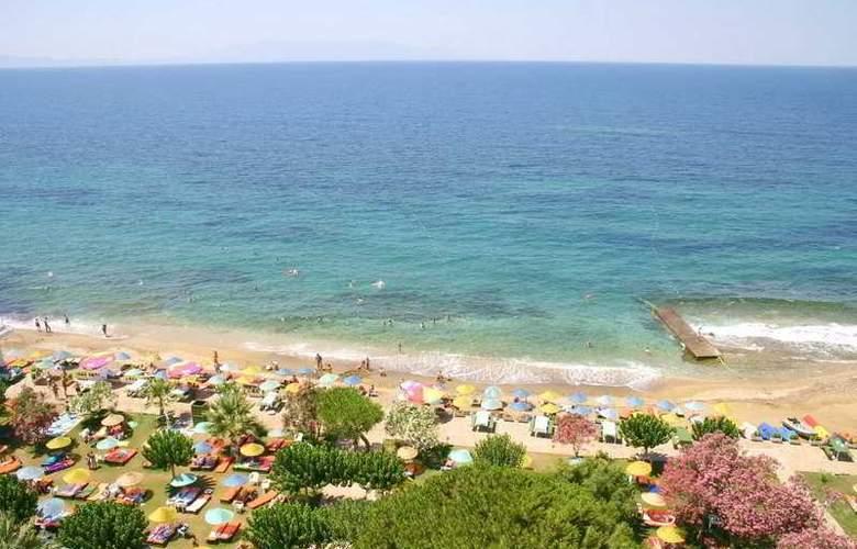 Grand Efe - Beach - 8