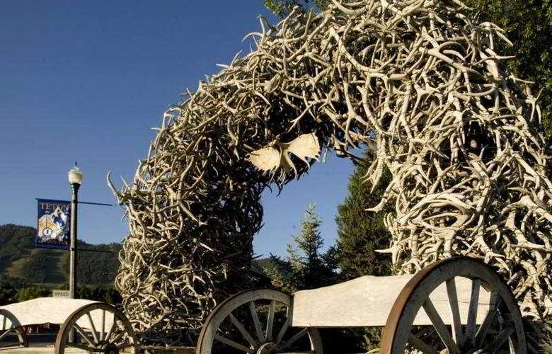 Rustic Inn at Jackson Hole - General - 3