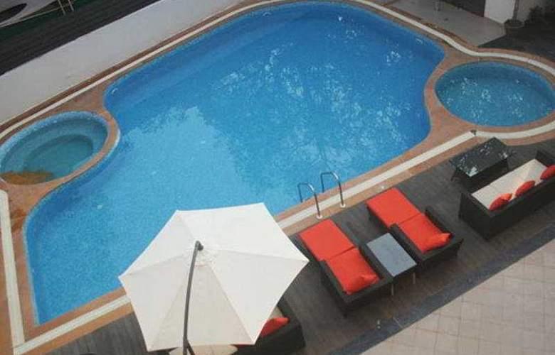 La Oasis Goa - Pool - 3
