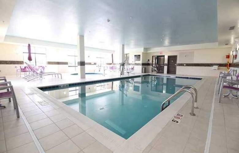 Hampton Inn Sandusky/Milan - Pool - 5
