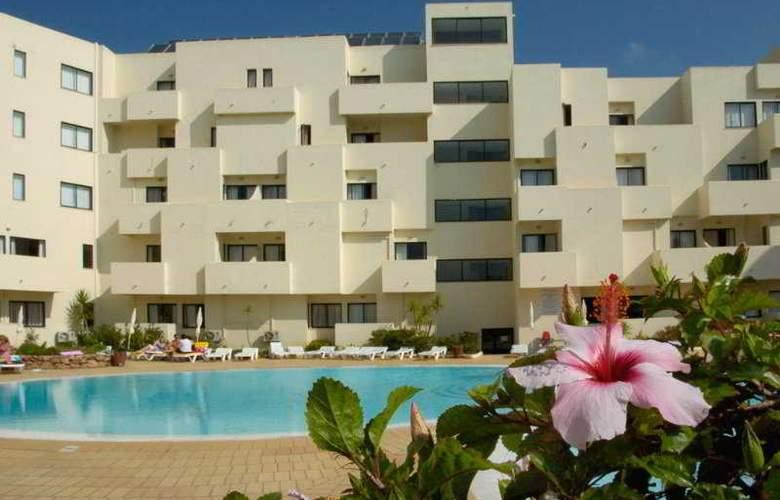 Santa Eulália Hotel Apartamento & Spa - Pool - 8