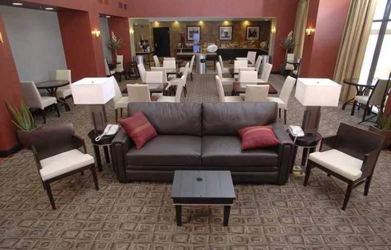 Hampton Inn & Suites Las Vegas South - Hotel - 11