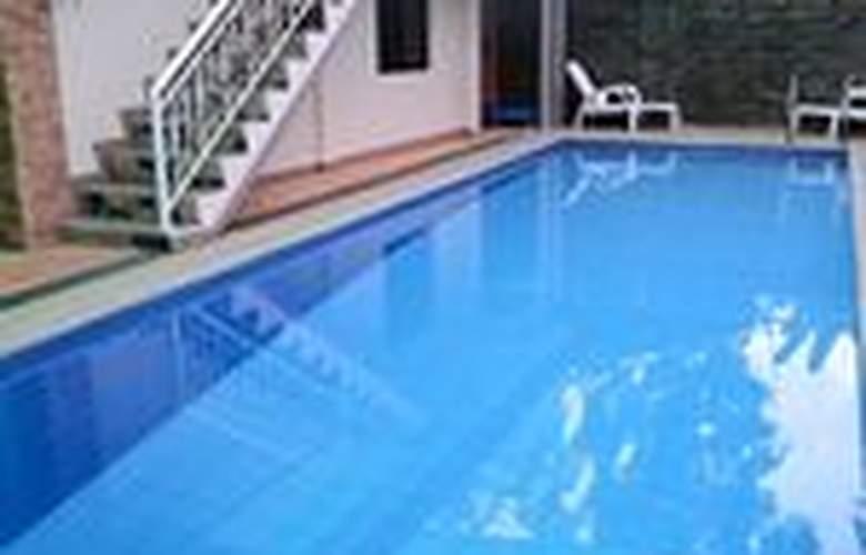 Casa Mila Inn - Pool - 2